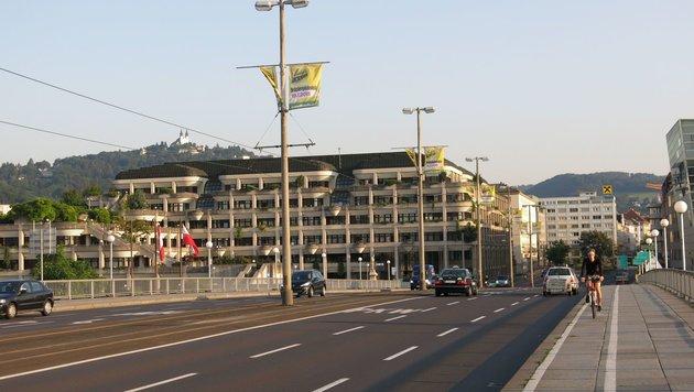 Im Linzer Rathaus wurden jahrelang Strafen liegengelassen, viele sind nun verjährt. (Bild: Foto: Pöchinger)
