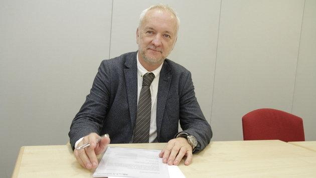 """Wolfgang Ziegler, der für die praktischen Ärzte im Land spricht, sagt: """"Das System droht zu kippen."""" (Bild: Markus Schütz)"""