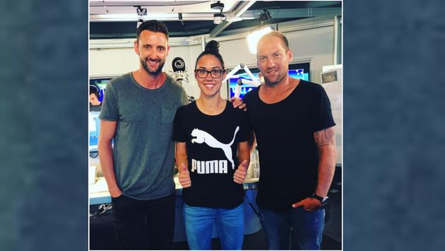 Österreichs Helden unter sich. ÖFB-Torfrau Manu Zinsberger trifft Clemens Doppler und Alex Horst. (Bild: Instagram.com)