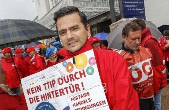 """Klare Position: So wie die """"Krone"""" ist auch Gerald Forcher strikt gegen das Abkommen TTIP (Bild: Markus Tschepp)"""