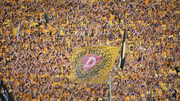 Fans von Dynamo Dresden sammeln Geld für Gegner (Bild: GEPA)