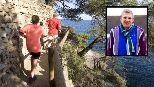"""Philipp W. (21) aus Braunau starb auf einem Küstenweg (gr. Foto) im spanischen Lloret de Mar. (Bild: """"Krone"""")"""
