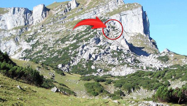 An der eingekreisten Stelle fand der Bergretter den Leichnam. (Bild: Zoom Tirol)