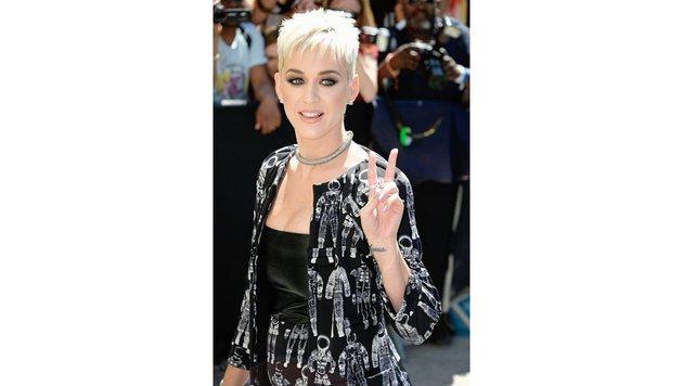 Katy Perry während der Pariser Modewoche (Bild: Visual Press Agency/face to face)