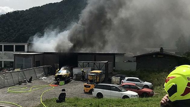 Arbeiter in Flammen, Chef verunglückt am Weg (Bild: APA/SIEGFRIED ULLRICH)