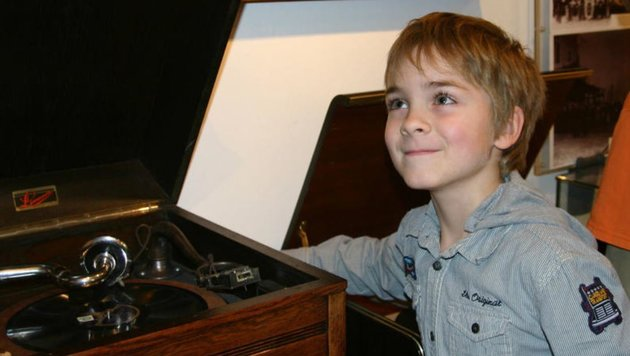 Für die Kleinen gibt es allerhand Technik zu bestaunen (Bild: www.salzburgermuseen.at)