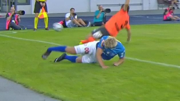 Grausig! Knöchelbruch schockt Erste Liga (Bild: SKY)