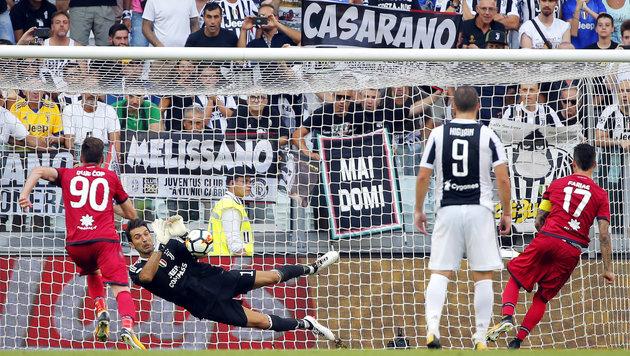 Legende Buffon hält Elfer bei Juve-Auftaktsieg (Bild: AFP)