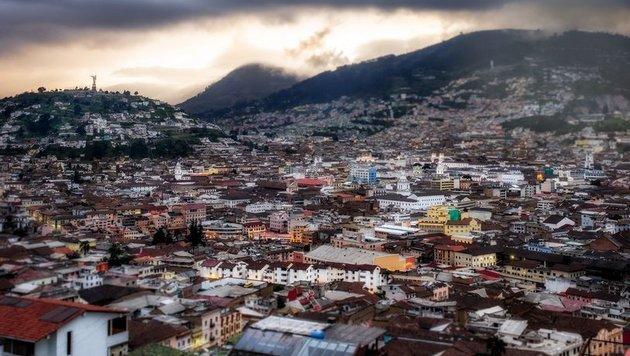 Quito (Bild: flickr.com/simonmatzinger)