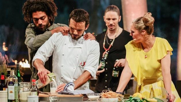Noah Becker legt sich mit Steffen Henssler und Ruth Moschner an. (Bild: MG RTL D / PA / Stefan Deutsch)