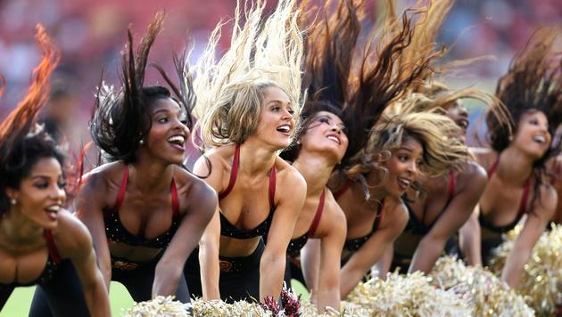 Shake it! Die Cheerleader der Washington Redskins zeigen sich gegen die Cincinnati Bengals in Form. (Bild: Getty Images)