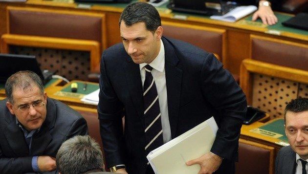 Staatskanzleiminister Janos Lazar im ungarischen Parlament (Bild: AFP)