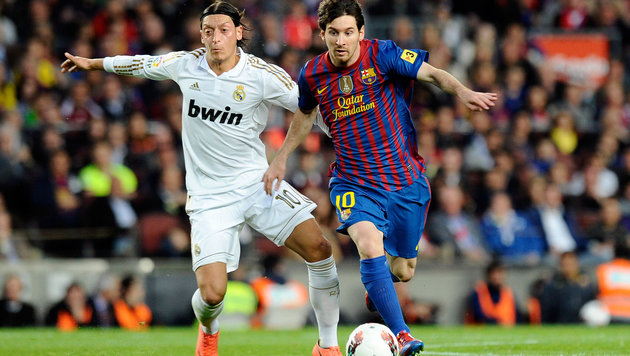 Leo Messi und Mesut Özil im Jahr 2012 (Bild: GEPA)