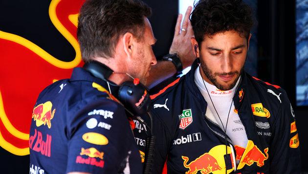 Daniel Ricciardo (rechts) mit Teamchef Christian Horner (Bild: GEPA)
