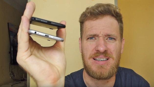 Ingenieur verpasst iPhone 7 Audio-Klinkenanschluss (Bild: YouTube.com/Strange Parts)
