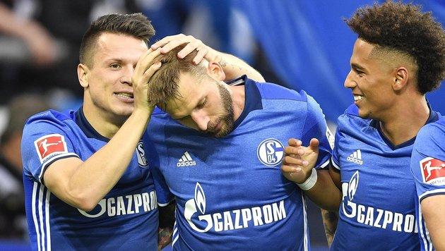 Burgstaller-Tor bei Schalkes Sieg gegen Stuttgart (Bild: AP)