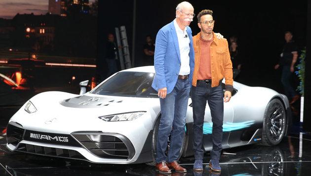 Daimler-Chef Dieter Zetsche und F1-Star Lewis Hamilton (Bild: Zwefo)
