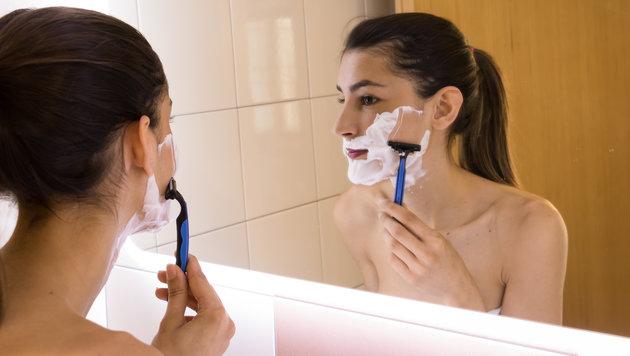 """Gesichtsrasur soll Frauen den """"Glow"""" geben (Bild: stock.adobe.com)"""