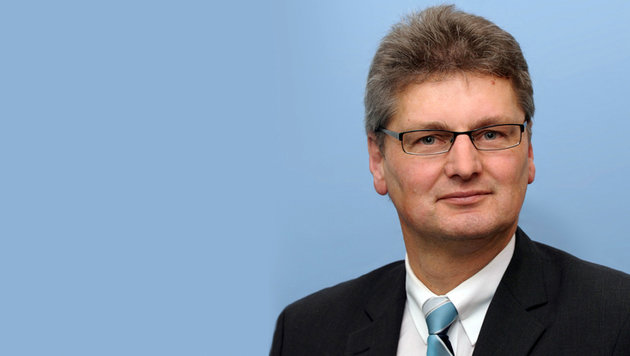 Geschäftsleiter der Raiffeisenbank Wienerwald Mag. Alfons Neumayer (Bild: Schwarzenegger/Raiffeisenbank Wienerwald)
