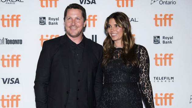 Christian Bale mit Ehefrau Sibi Blazic (Bild: AP)