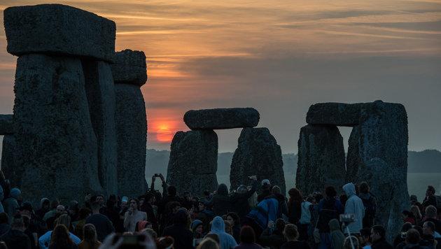 Stonehenge-Enthusiasten während einer Sommersonnenwendfeier (Bild: AFP)