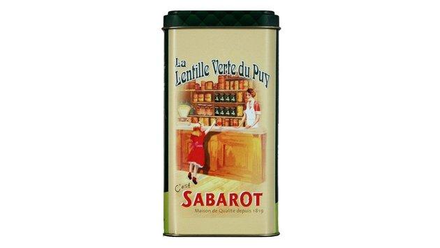 """An Prinz Georges Schule kocht ein Franzose & serviert """"Lentille Verte du Puy"""", grüne Linsen aus Puy. (Bild: Sabarot)"""