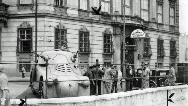 Bereits 1934 existierte vor dem Kanzleramt eine Mauer. Das Bild entstand kurz nach dem Juliputsch. (Bild: www.picturedesk.com)