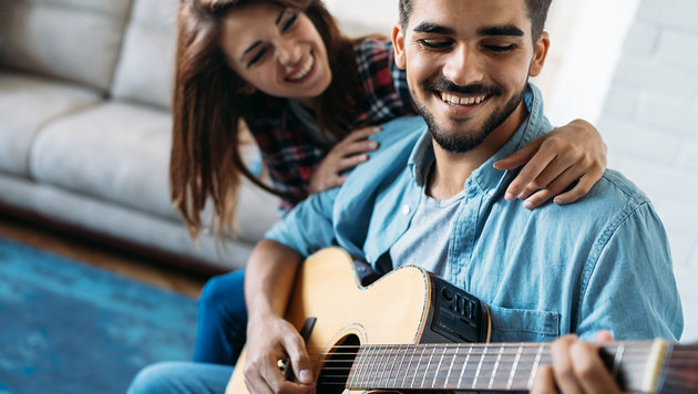 Musik macht Männer für Frauen attraktiver (Bild: stock.adobe.com)