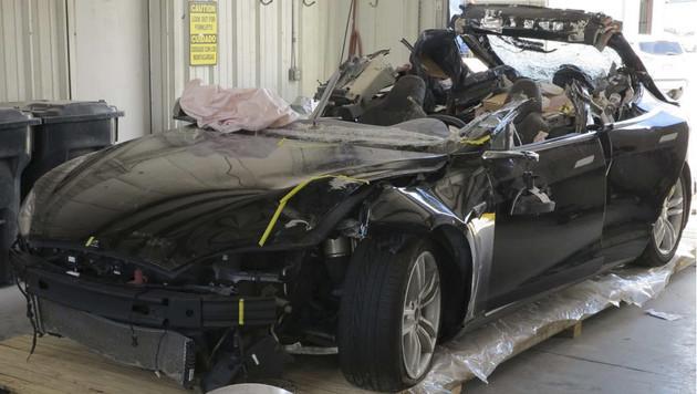 Teslas Autopilot machte tödlichen Unfall möglich (Bild: AP)