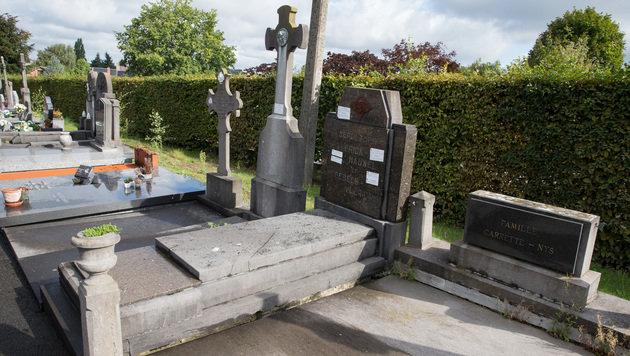 Auf diesem Friedhof fand Bürgermeister Gadennes Leben ein tragisches Ende. (Bild: AFP)