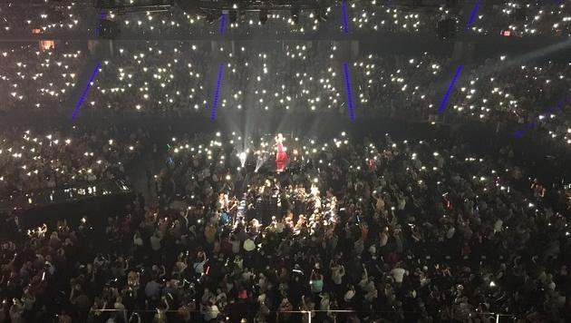 Die Stimmung in der ausverkauften TUI-Arena in Hannover war spitze. (Bild: Lisa Bachmann)
