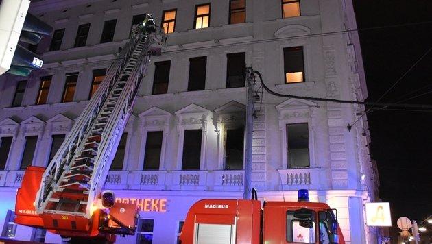 Gelagerte Gaskartuschen durch Feuer explodiert (Bild: MA 68 Lichtbildstelle)