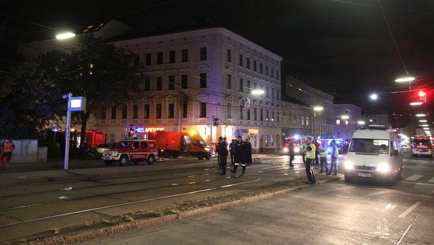 Fünf Menschen bei Explosion in Wohnung verletzt (Bild: Andi Schiel)