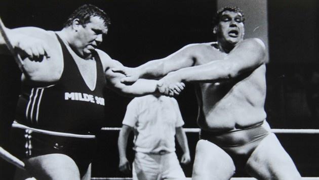 Otto Wanz gegen André the Giant (Bild: Christian Jauschowetz)