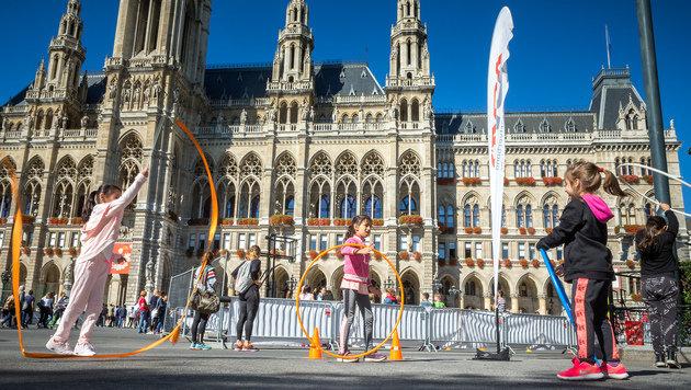 """""""Sebastian"""" fegte mit mehr als 100 km/h über Wien (Bild: Christian Houdek)"""