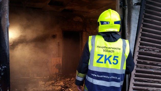 Frau kam bei Brand in Einfamilienhaus ums Leben (Bild: KK/HFW Villach)