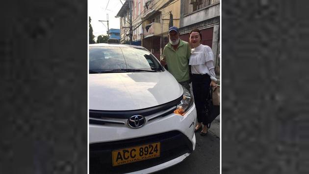 Taxikundin fährt sich selbst nach Hause (Bild: Facebook)