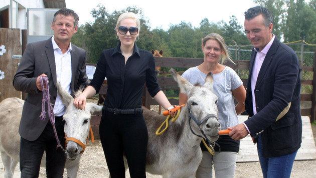 Familie Glock leistet Hilfe für verstoßene Tiere (Bild: Claudia Fischer)