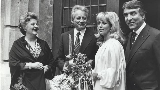 Dagmar Koller und Helmut Zilk bei ihrer Hochzeit (Bild: Kristian Bissuti)