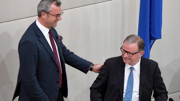 Hofer mit dem Zweiten Nationalratspräsidenten, Karlheinz Kopf (Bild: APA/Roland Schlager)