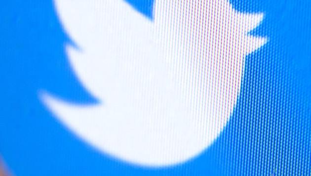 Twitter erteilt RT.com und Sputnik Werbeverbot (Bild: AP)