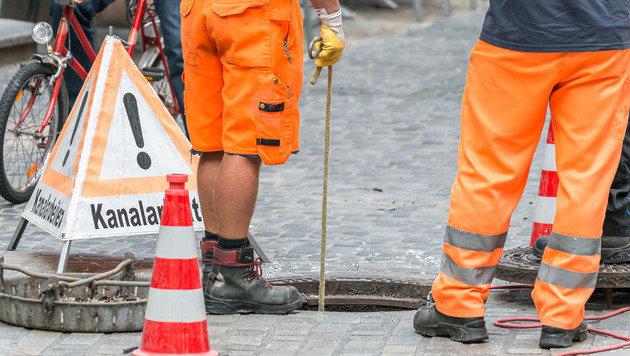 """Kanalarbeiter: ""Das Klo ist kein Mistkübel!"" (Bild: stock.adobe.com)"""