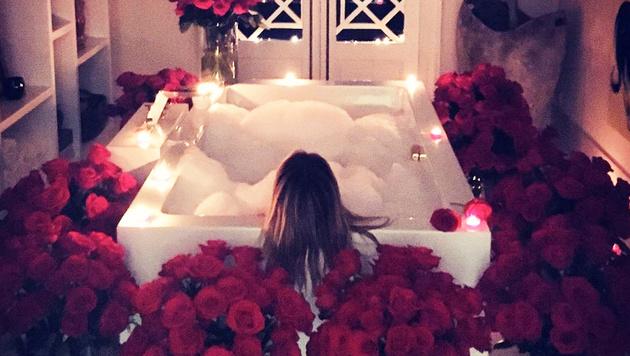 In einem Meer von Rosen badet niemand Geringeres als Heidi Klum (Bild: www.PPS.at)