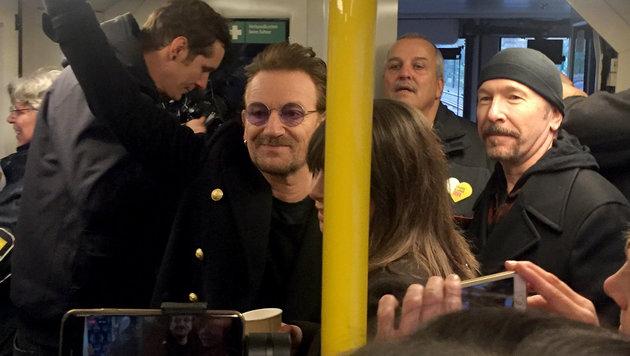 Bono und The Edge rocken Berliner Untergrund (Bild: APA/Radioeins/Anja Caspary)