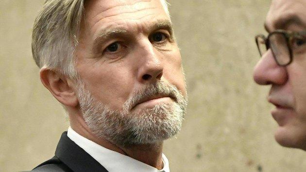 Der Angeklagte Walter Meischberger (Bild: APA/HANS TECHT /APA-POOL)