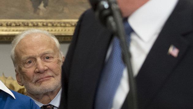 Eine der berühmtesten Astonauten aller Zeiten war ebenfalls anwesend: Buzz Aldrin (Bild: AP)
