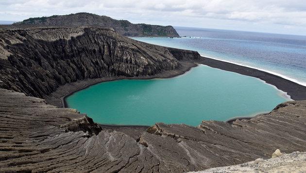 Blick über die Vulkaninsel Hunga Tonga-Hunga Ha'apai (Bild: NASA/Damien Grouille/Cecile Sabau)