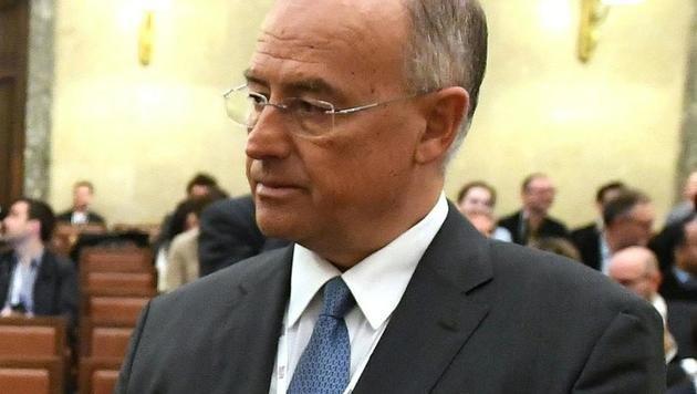 Der Angeklagte Georg Starzer (Bild: APA/HELMUT FOHRINGER)