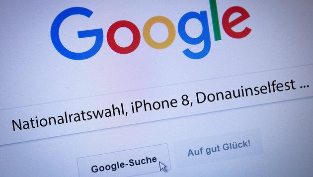 Danach haben die Österreicher 2017 gegoogelt (Bild: Christian Charisius/dpa, krone.at-Grafik)