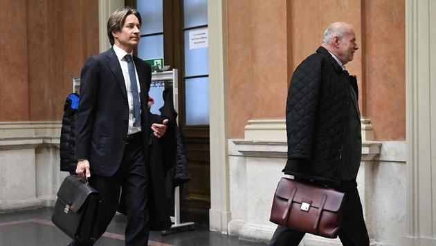 Karl-Heinz Grasser und sein Anwalt Manfred Ainedter beim Eintreffen (Bild: APA/HELMUT FOHRINGER/APA-POOL)